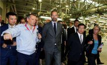法国总理菲利普访华首站莅临DS深圳工厂,点赞DS7前卫创新与卓越品质