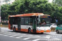 为高峰线路量身定制广州首台三门纯电动公交安凯造