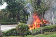力帆电动汽车当街起火爆燃视频曝光,官方回应:电池浸泡后泄露引发