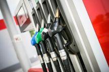 油价10月19日24时起上调92号汽油/0号柴油每升涨0.14元