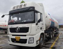 陕汽X3000危化品牵引车安全性能再升级