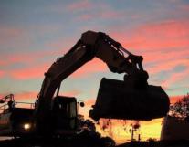 挖掘机热销股价却重挫,龙工还能维持高派息率吗?