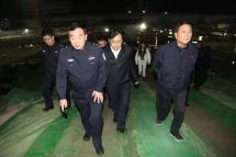 郑州:公安局长带队严查超载集中整治