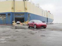 最新款特斯拉Model3今日抵达上海大规模到港将用于客户交付