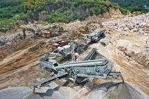 硬岩资源化利用利器—南方路机移动破碎筛分设备应用于广东花岗岩骨料加工