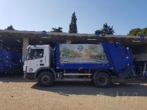 配備艾里遜變速箱的垃圾車清理垃圾、幫助度過危機