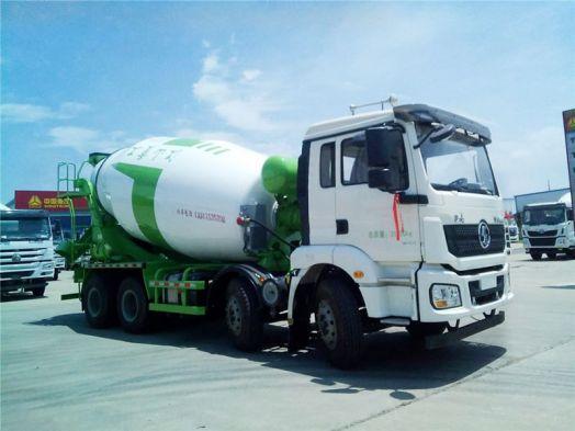 陕汽德龙8方轻量化搅拌车轻量化车型,运载更安全环保