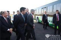總統親自試駕為中通客車點贊,首批中通純電動公交車服務巴拉圭