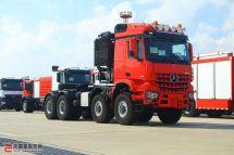 亚洲首台奔驰Acros4863SLT8x8大件牵引车运抵中国