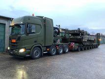 R650V88x4军用牵引车首次亮相第100辆斯堪尼亚全新卡车系列军车交付丹麦军队