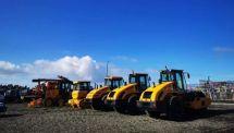 滿足客戶個性化需求|山推壓路機批量發運新西蘭