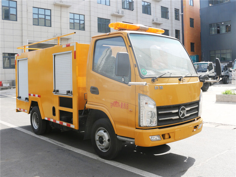 国六蓝牌凯马救险车/抗洪排水救险车厂家