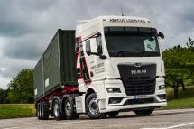 英国第一辆全新曼恩TGX牵引车交付Abacus物流