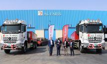 中东首批奔驰新款ArocsSLT大件牵引车交付AlFaris集团