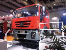 上汽紅巖攜國內首款原廠四門消防車亮相首屆長三角國際應急博覽會