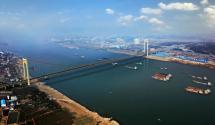 霸氣!三一起重機助力國內首座主跨千米級長江特大橋建成通車