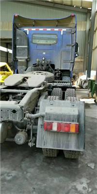 豪沃T7H双驱540马力牵引车