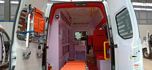 江铃福特362监护型救护车