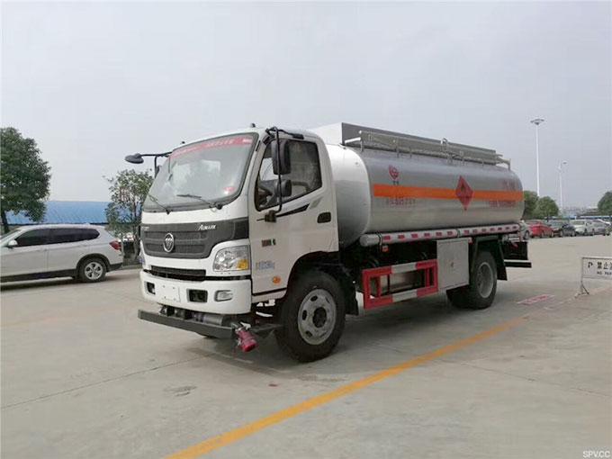 福田欧马可10吨加油车