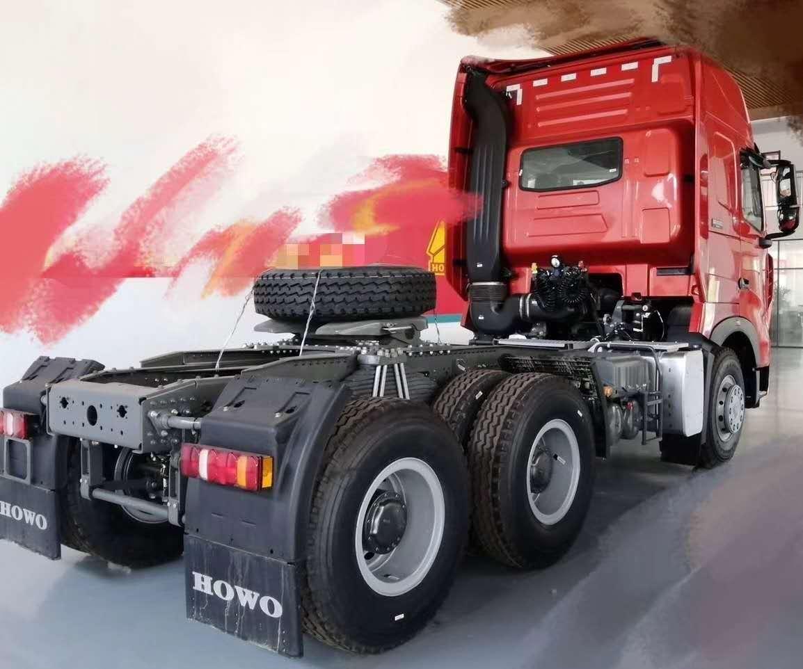 豪沃潍柴发动机430马力T7牵引车