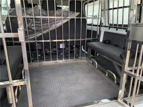 9人座囚车福特新时代全顺V348警用囚车