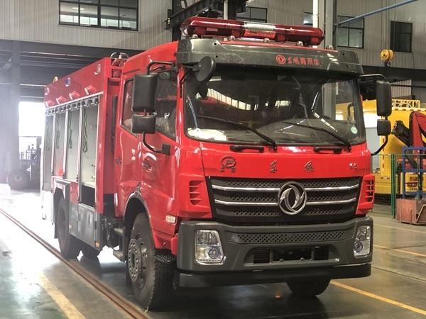 国六东风6吨泡沫水罐联用消防车