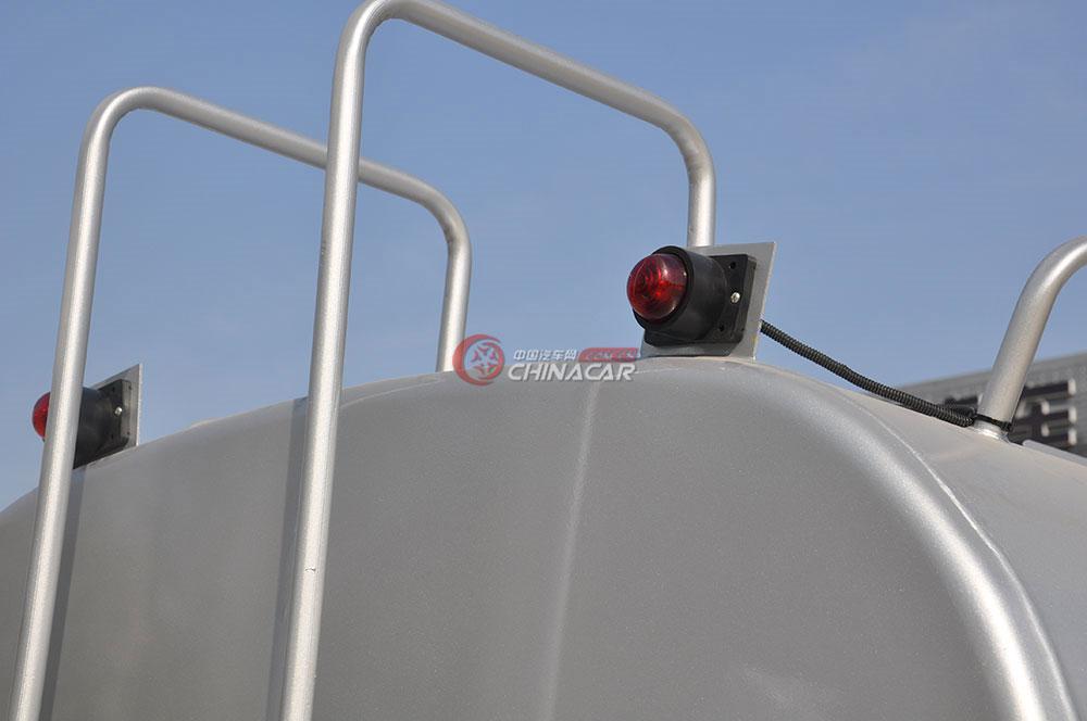 东风多利卡D6洒水车外观图片-警示灯