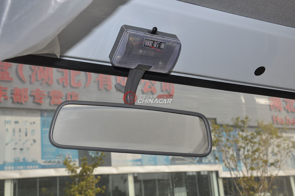 东风多利卡D6洒水车驾驶室图片-后视镜