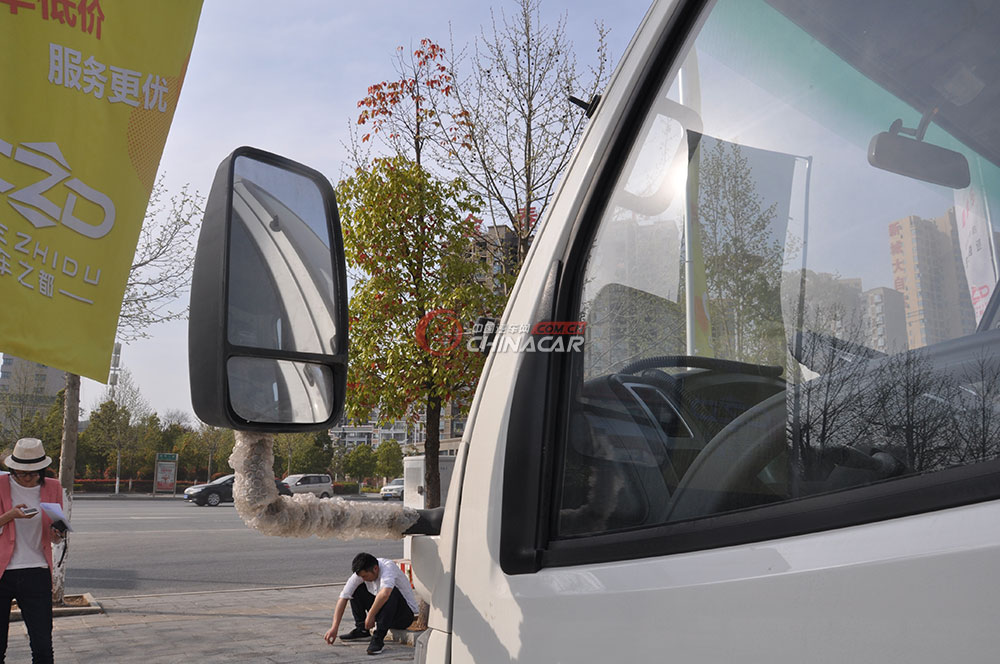 凯马福运来压缩式垃圾车外观图片-后视镜