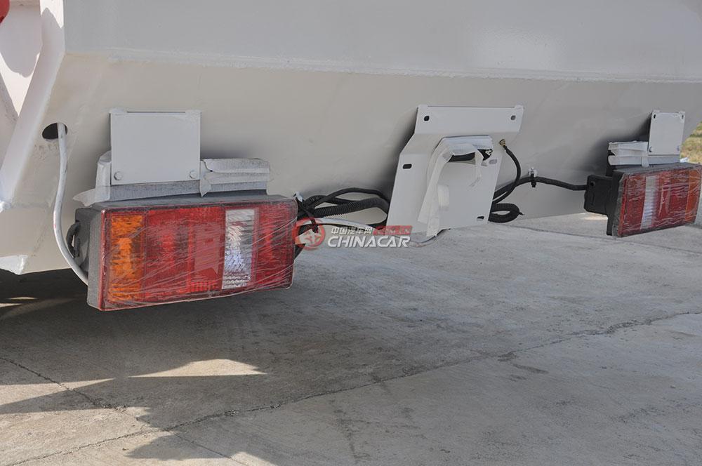 凯马福运来压缩式垃圾车外观图片-尾灯