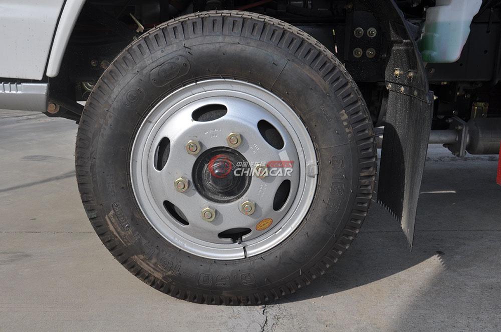 凯马福运来压缩式垃圾车底盘图片-轮胎
