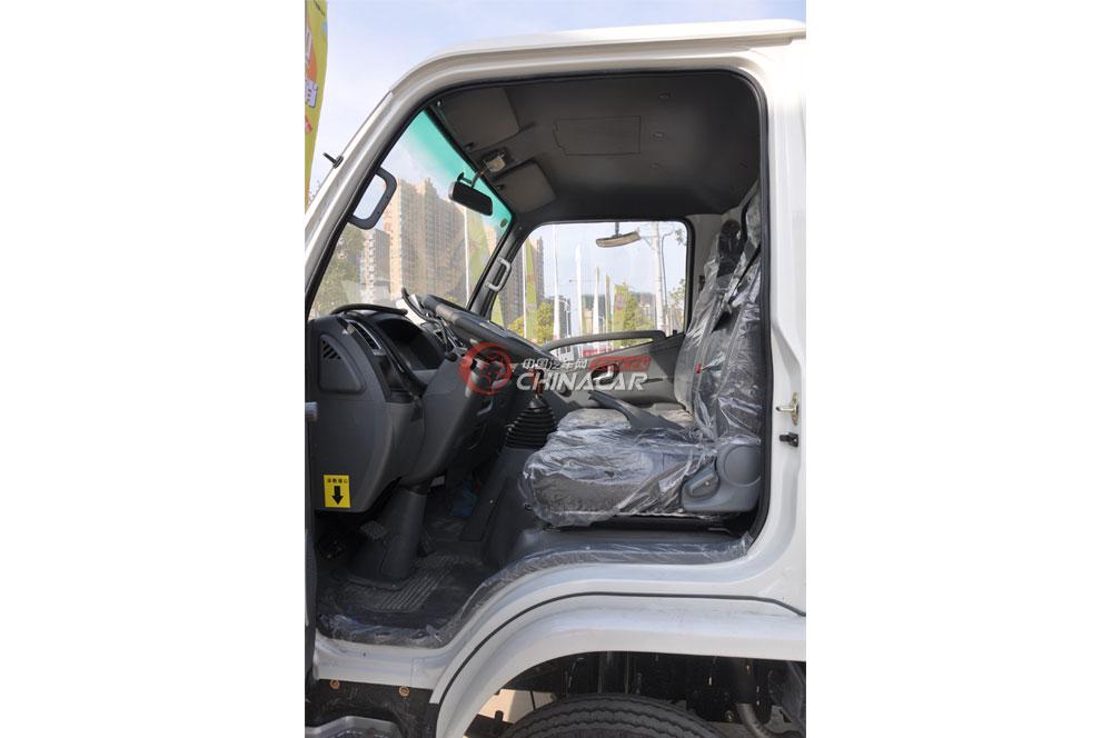 凯马福运来压缩式垃圾车驾驶室图片