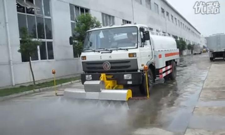 路面高压清洗车