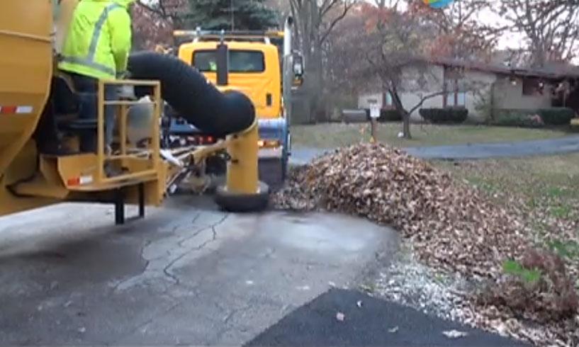 最强清扫落叶的吸污车