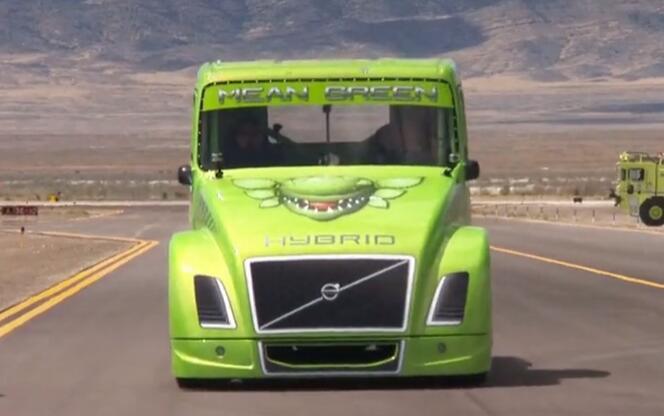 """沃尔沃卡车:2400马力""""钢铁骑士""""破两项世界纪录"""