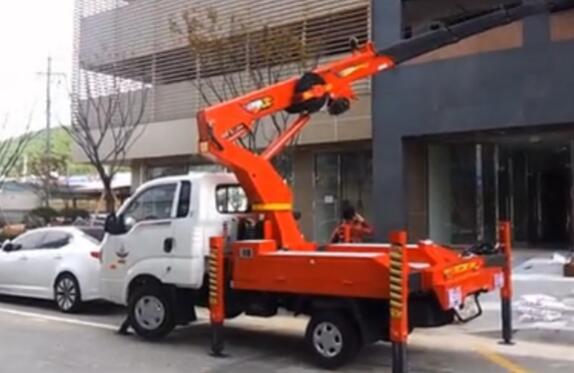 韩国进口30米高空作业车视频